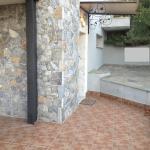 Palio Stone House, Elevtheraí