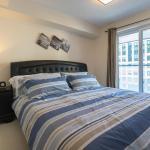 Applewood Suites - Luxury 3 BDRM,  Toronto