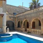 Mood Farmhouse Mythology,  Għarb