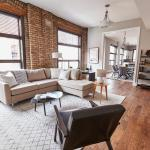 Three-Bedroom on N Wells Street Apt 2, Chicago