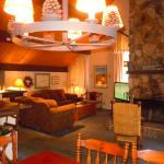 Three-Bedroom Deluxe Unit #85 by Escape For All Seasons, Big Bear Lake