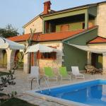 Croatian Villa with Pool, Galižana