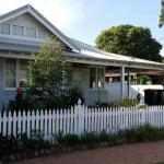Cosy Vintage Cottage 5 minutes from Airport,  Perth