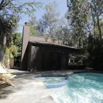 Hollywood Hills Designer Villa 4bd / Pool & Spa,  Los Angeles