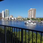 Yacht Club Amazing Views, Aventura
