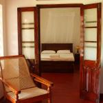 Renovated Old Colonial Style Mount View Bungalow, Hikkaduwa