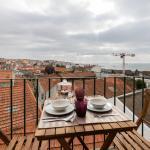 Feels Like Home Lapa Flat with City View, Lisbon