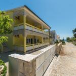 Apartments Valentic, Vir