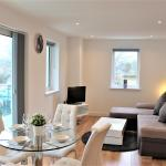 Tower Point London Luxury Apartment, Enfield
