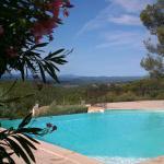 Les Bastides provencales, Entrecasteaux