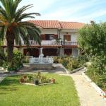 Villa Tonia Apartments, Sarti