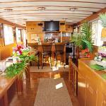 Hawaiian Legacy Yacht Charter, Honolulu
