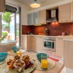 Chryssi myHome.10metres from the beach,  Kato Daratso