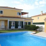 Spacious Villa in Azeitão (with private pool),  Azeitao