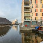 Abbotts Wharf Apartment with Balcony,  London