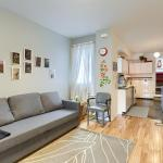 Hip Two Bedroom in Dundas West, Toronto