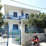 Smile Stella Studios, Skopelos Town