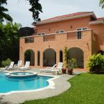 Tropical Retreat - Angelfish Villa,  Bon Accord