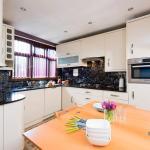 MacKenzie Road Apartment, Londres