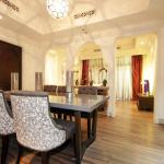 Signature Holiday Homes - Souk Al Bahar,  Dubai
