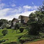Hotel Pictures: Poas Volcano Lodge, Vara Blanca