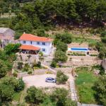 Villa Mora, Banjol