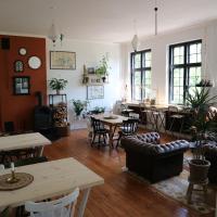 Hotel Pictures: Fjelde Guesthouse, Sakskøbing