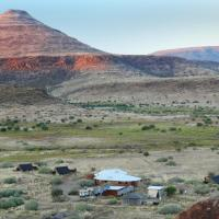 Hotellikuvia: Etendeka Mountain Camp, Damaraland