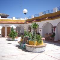 Hotel Pictures: Hostal Mini Golf, Los Caños de Meca
