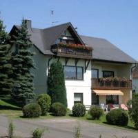 Hotelbilleder: Eifel-Ferienwohnungen-Fuhrmann-Haus-Bueschel-Wohnung-Eifelblick, Oberscheidweiler