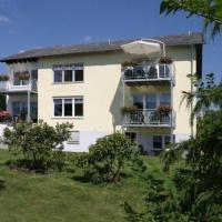 Hotelbilleder: Eifel-Ferienwohnungen-Fuhrmann-Haus-Brunnenstrasse-Wohnung-Brunnenstube, Oberscheidweiler