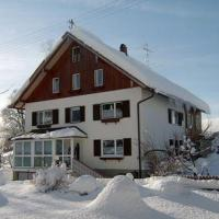 Hotelbilleder: Ferienwohnung-Klesse-Ferienwohnung-2-Laubenberg, Grünenbach