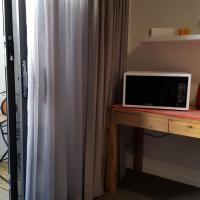 Hotellbilder: Brightwater Room for Rent on the Sunshine Coast, Buddina