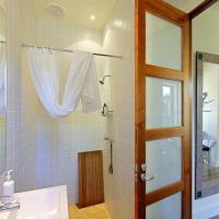 Hotel Pictures: Riverbend Suite Rooms, Rosebank