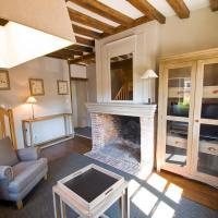 Hotel Pictures: Les Maisons de La Licorne, Lyons-la-Forêt