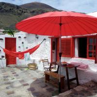 Hotel Pictures: La Casa De La Ventana Roja, Tamaduste