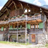 Hotel Pictures: Chalet Les Croix, Champéry