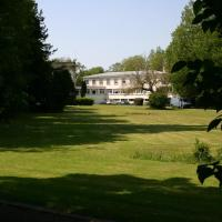 Hotel Pictures: Hostellerie de la Quenoeuille, Marquise
