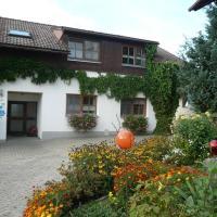 Hotelbilleder: Ferienhof-Fink-Ferienwohnung-Kleeblatt, Opfenbach