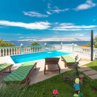 Hotel Pictures: Ferienwohnung Senj 151S, Senj