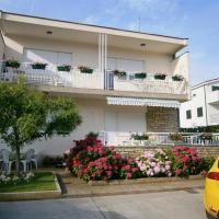 Zdjęcia hotelu: Apartments Duška, Brodarica