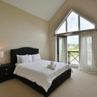 Zdjęcia hotelu: 4 Bedroom waterfront condo, Blue Mountains