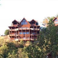 Hotellbilder: Serenity Mountain Pool Lodge - Nine Bedroom, Sevierville