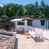 Hotel Pictures: Villa Blu Ortensia, Caslano