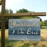 Hotel Pictures: Omstead's On Erie B&B, Wheatley