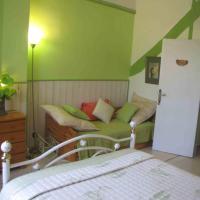Hotel Pictures: Chambres d'Hôtes Les Pensées Douces, Auxerre
