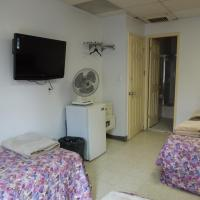 Standard Room with Four Twin Beds with Private Bathroom
