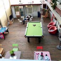 Hotel Pictures: Beijing Week 8 Party House, Pinggu