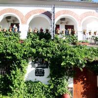 Hotel Pictures: Pensión Barrio, Fuenteheridos