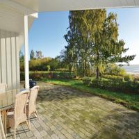 Hotel Pictures: Holiday Home Faxe with a Fireplace 02, Mosebølle